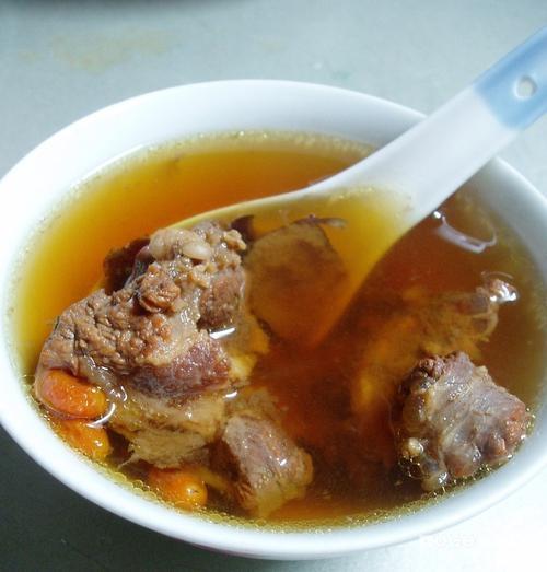 红枣杞子淮山炖牛尾的做法(荤菜)