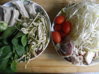 一品锅的做法(荤素搭配-烧岀大饭店味)