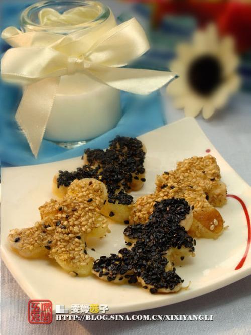 芝麻香煎苹果的做法(六一儿童节美食-5分钟超人气补钙小零食)