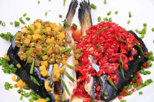 双椒挪威三文鱼头 如何做,怎么做,双椒挪威三文鱼头的做法,详细步骤图解 春节菜谱 天天美食天下菜谱网