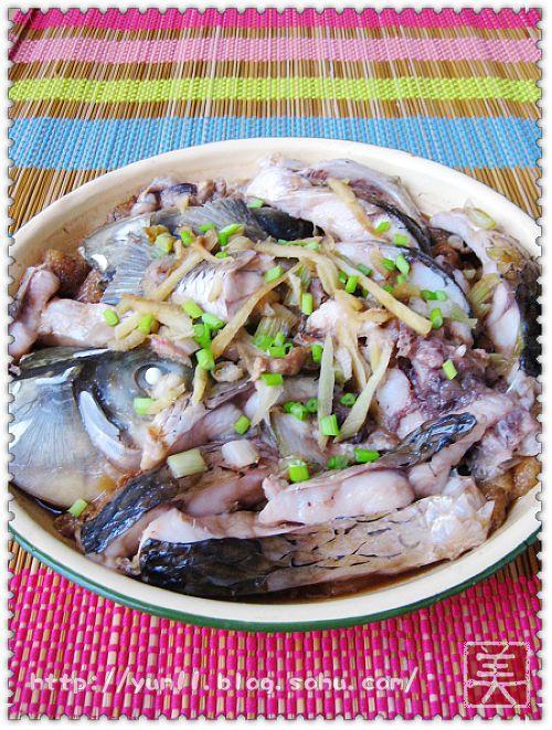 家常菜 中菜 > 如何做,怎么做,油豆腐蒸鱼的做法,详细步骤图解  1,油