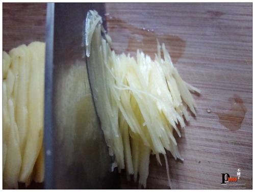 家常菜 中菜 > 如何做,怎么做,青椒土豆丝的做法,详细步骤图解  天天