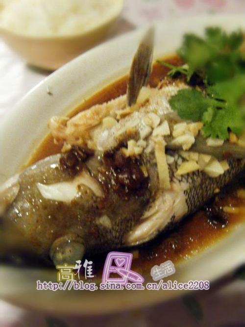 家常菜 中菜 > 如何做,怎么做,蒜茸豆豉蒸鱼的做法,详细步骤图解  2.